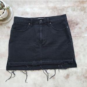 Madewell Distressed Hem Black Denim  skirt Sz 32